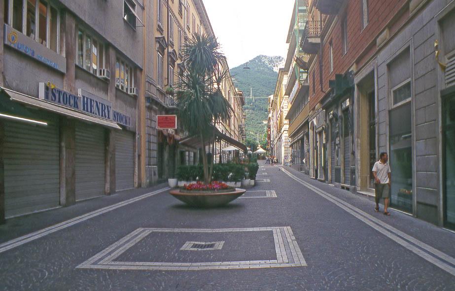 Carrara - Via Roma
