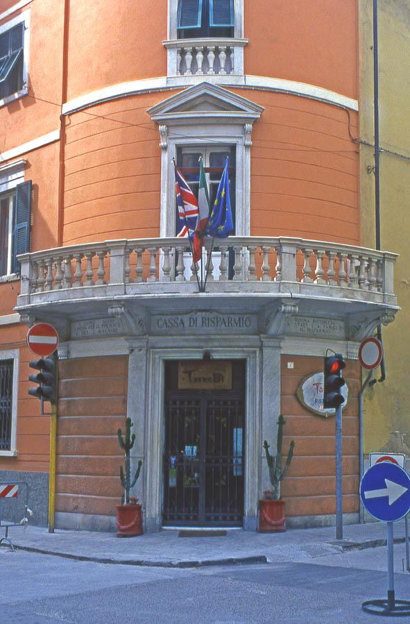 Carrara - Via Rosselli angolo Via Cavour